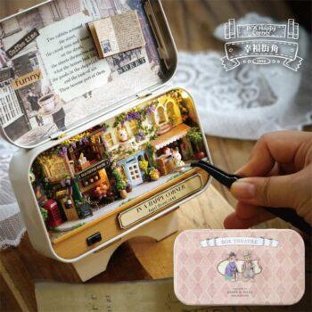 Box Theatre Miniature Dollhouse 1